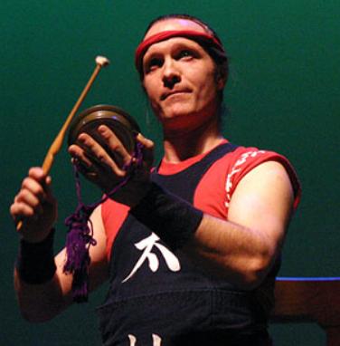 Stuart Paton playing an atarigane.